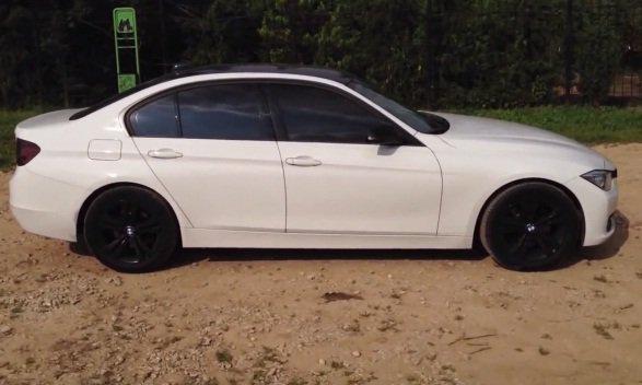 BMW 328i 2013 — Полный бак