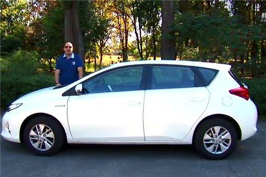 Toyota Auris Hybrid 2013 — Две Лошадиные Силы