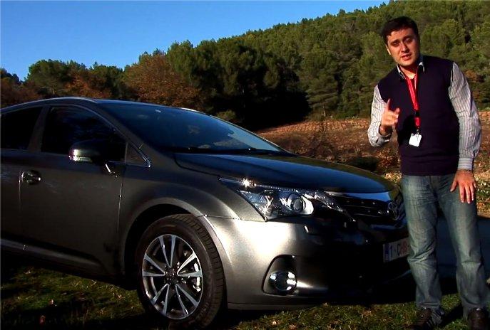 Toyota Avensis Wagon 2012 — Автопилот