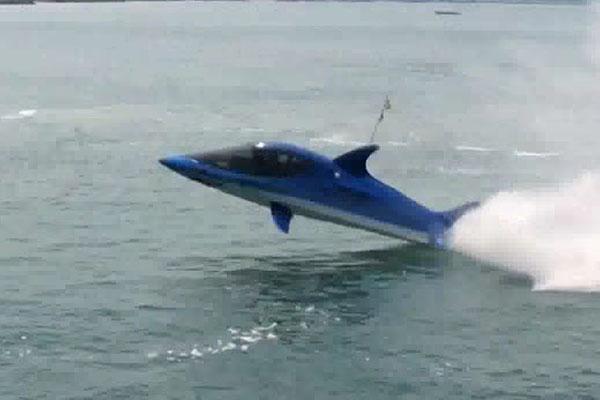 Seabreacher — бионическая акула