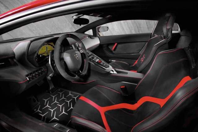 lamborghini-aventador-lp-750-4-superveloce_interior