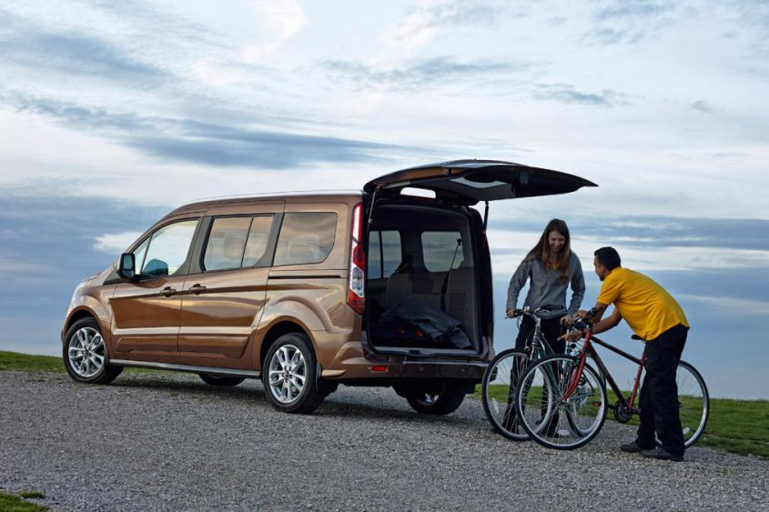 Ford Tourneo Connect сзади