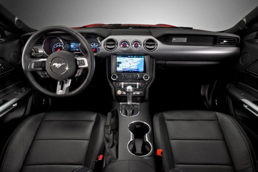 2015-ford-mustang_interior