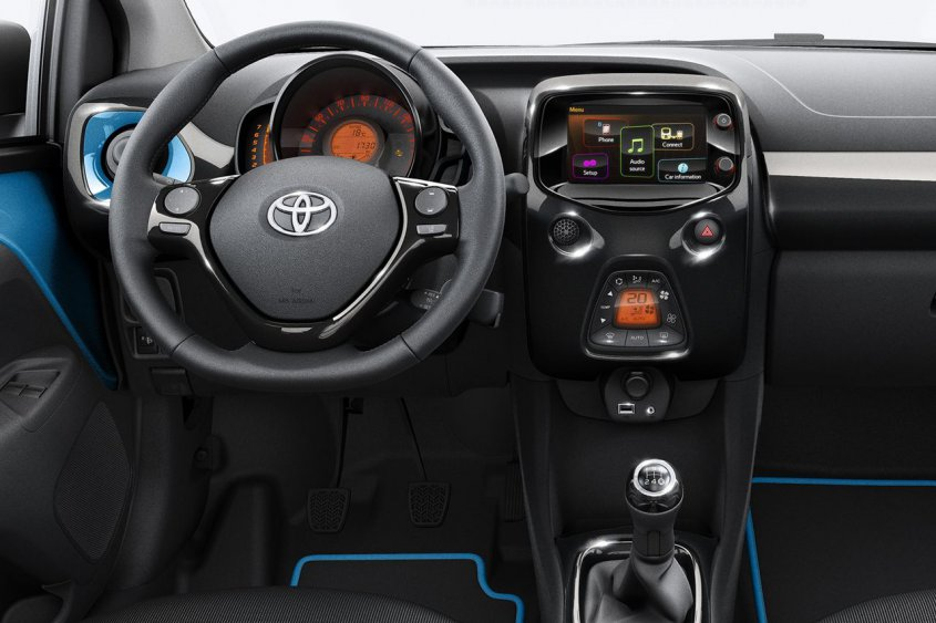 toyota-aygo-x-cite-edition-dashboard