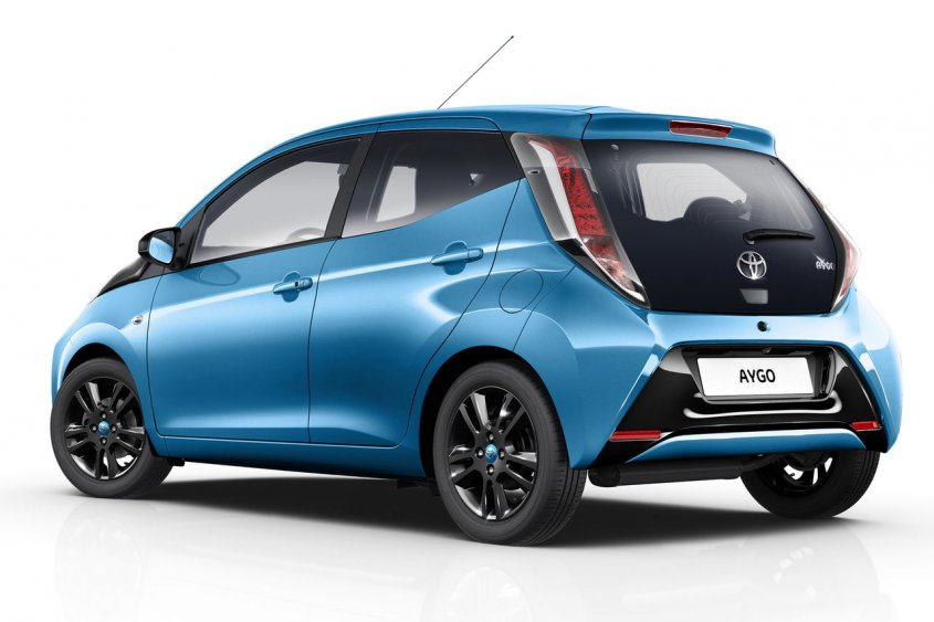 toyota-aygo-x-cite-edition-rear-angle