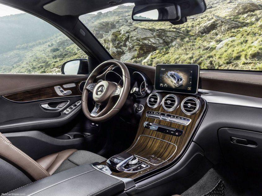 Mercedes GLC отходит от брутального стиля внедорожников