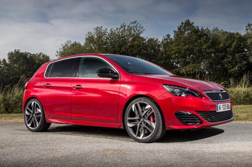 peugeot_308_gti_front_angle