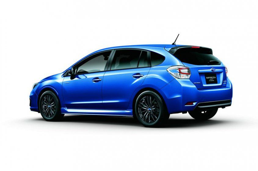 subaru-impreza-sport-hybrid-rear-angle