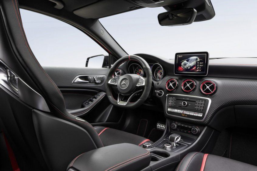 mercedes-amg-a-45-facelift-interior