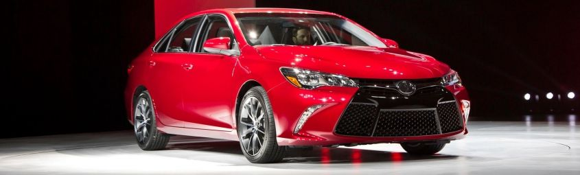 toyota-camry-2015-front-angle