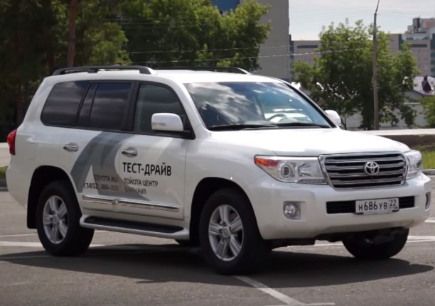 новый toyota land cruiser 200 2015