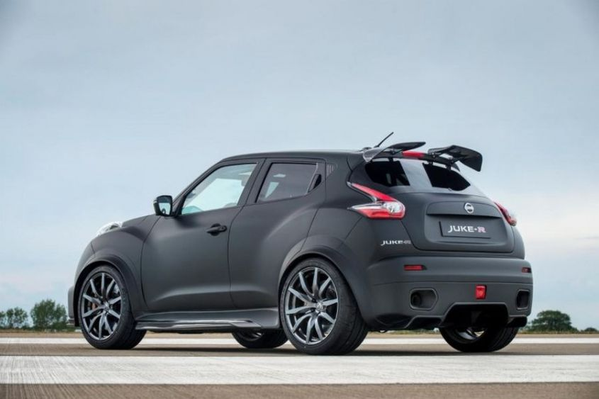600ps-nissan-juke-r-2.0-rear