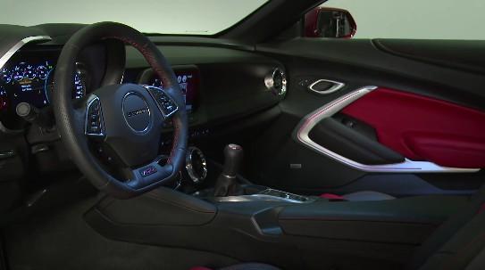 2016 Chevrolet Camaro SS — интерьер