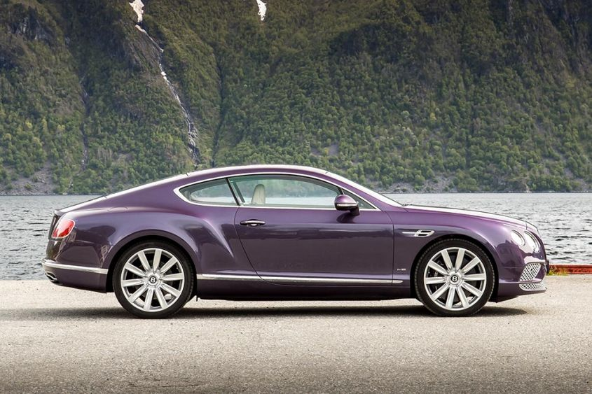 Bentley Continental GT сбоку