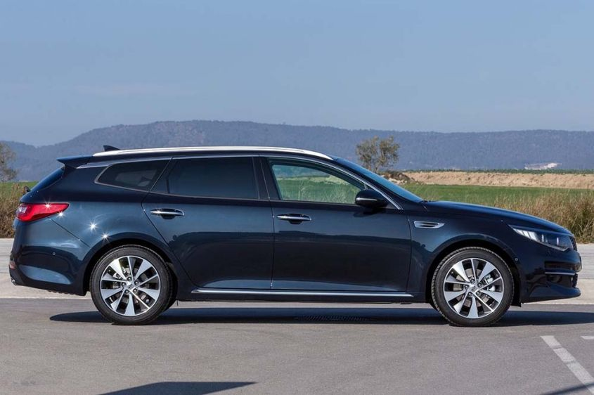 Kia Optima Sportswagon сбоку