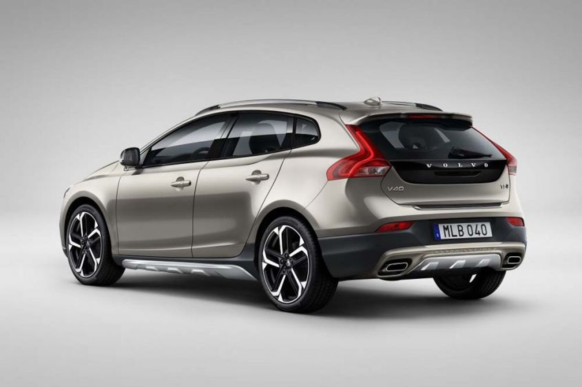 Volvo V40 Cross Country сзади