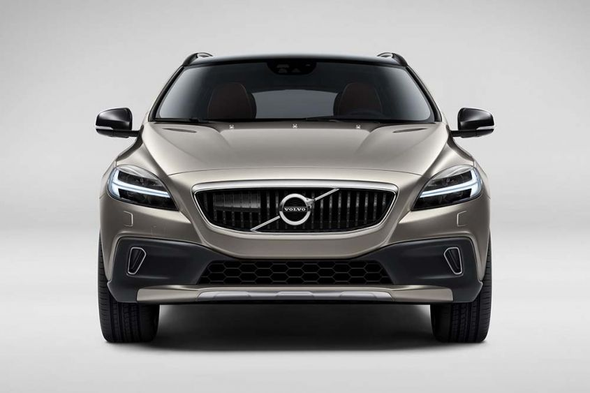 Volvo V40 Cross Country спереди