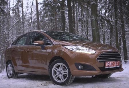 2017 Ford Fiesta // DRIVE