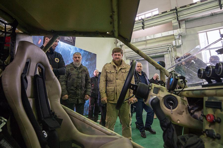 Кадыров протестировал военный багги чеченского производства