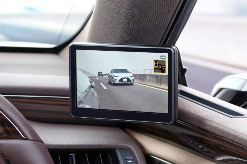 Lexus первым осмелился предложить камеры вместо зеркал