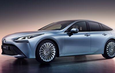 Новая Тойота Мирай 2020 на водороде